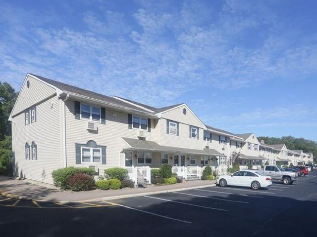 Fairfield Country Club Gardens 280 Belmore Ave, East Islip, Ny 11730