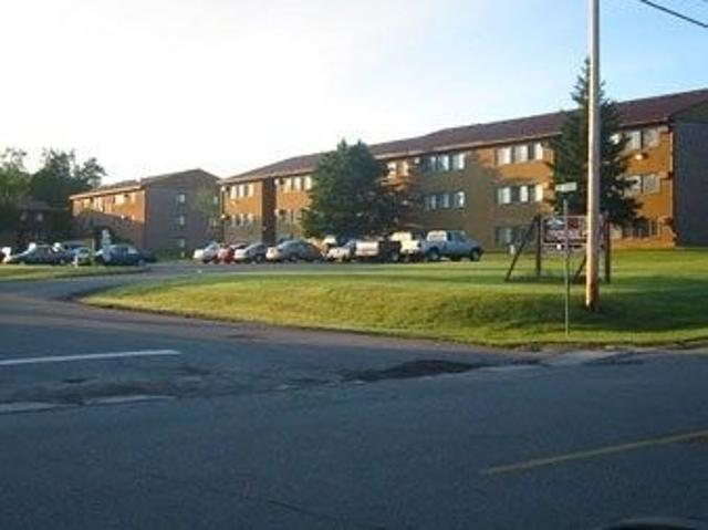 Falls South And South Falls Apartments & Townhomes 2113 3rd Ave E, International Falls, Mn...