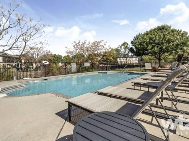 Fantastic Features And Amenities At This Pet Friendly Community Far North West