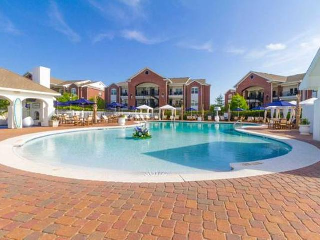 Fantastic Location A Spacious 807 Sq Ft 1 Bed Is Waiting For You Gulf Shores