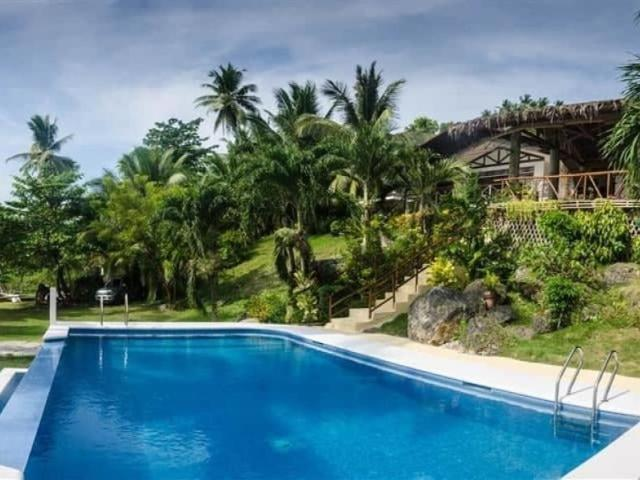 Five Bedrooms Beach House With Pool In Badian