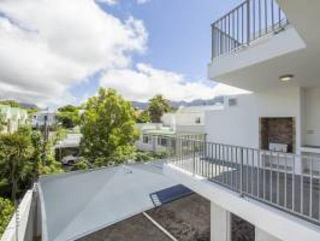 Flat: 2.0 Bedroom Apartment For Sale In Wynberg Upper.