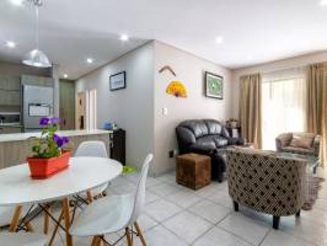 Flat: 2.0 Bedroom Flat To Let In Risidale.