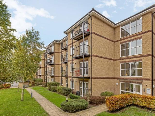Flat In Carfax House, 4 Worcester Close, London, Se20
