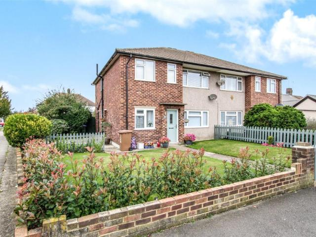 Flat In Onslow Drive, Sidcup, Albany Park, Kent, Da14