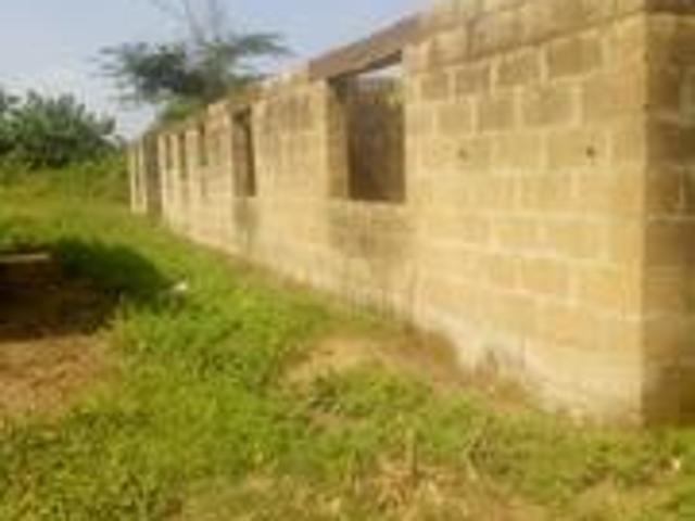Flats At A Giveaway Price In Moniya For Sale