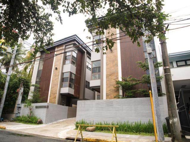 For Sale: 3 Storey Townhouse In Palm Village, Makati City