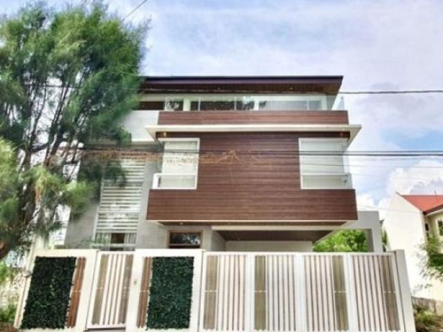 For Sale House And Lot In Greenwoods Executive, Taytay, Rizal