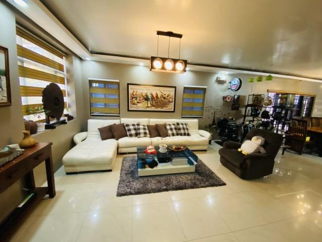For Sale House And Lot In Marcelo Green Village, Parañaque City