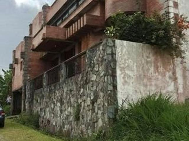 For Sale House And Lot In Tagaytay, Cavite