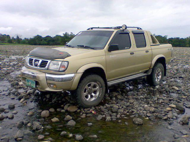 nissan frontier bulacan 4 4x4 nissan frontier used cars. Black Bedroom Furniture Sets. Home Design Ideas