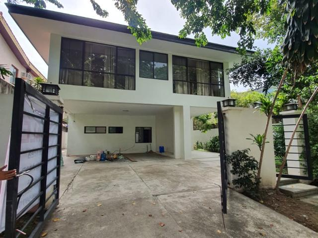 For Sale: Pacific Malayan Village 6 Bedroom House And Lot In Muntinlupa