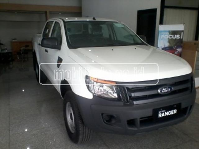 Ford new ranger d cab base mt pick up