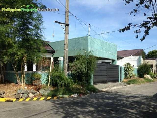 Foreclosed Property: Bf Homes 4 Bedrooms Corner Bungalow