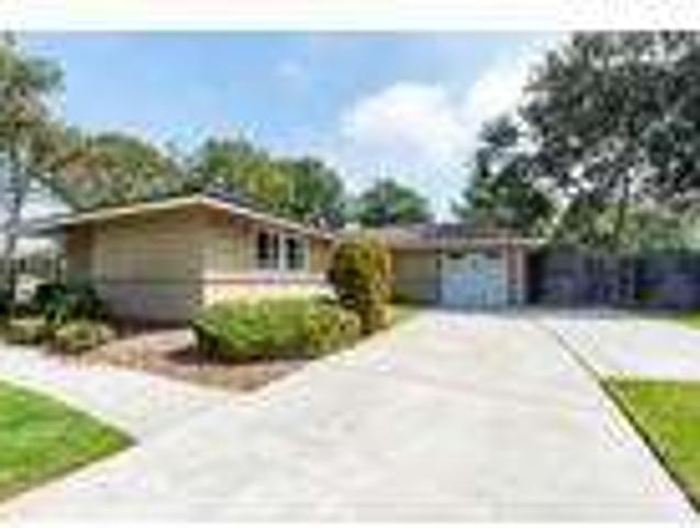 Four Br Two Ba In Port Hueneme Ca 93041