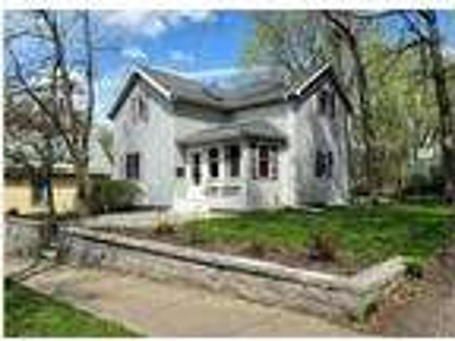 Four Br / Two Ba Single Family House In Historic Downtown Hudson