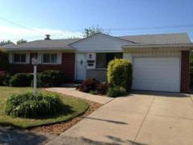 Fraser, Mi, Macomb County Home For Sale 3 Bed 2 Baths