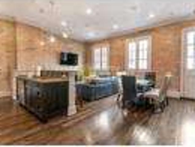 French Quarter, New Orleans, 2 Bedroom Condo