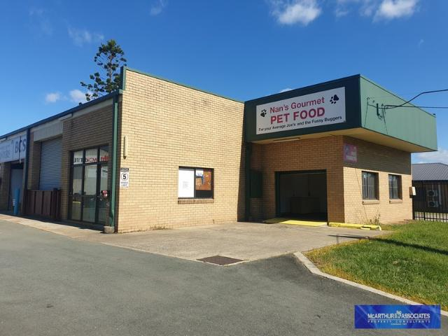 Front Unit With Good Exposure, Caboolture