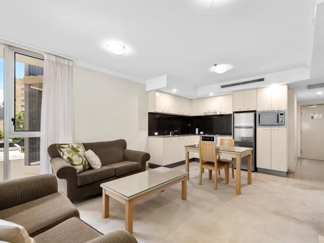 Fully Furnished 1 Bedroom With Parking!