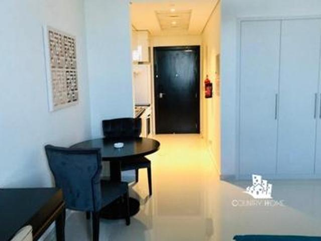 Fully Furnished  bright And Cozy Living   Spacious
