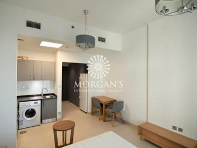 Fully Furnished, Cf Studio In Candace Acacia