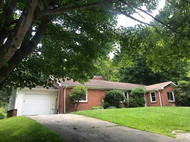 Fully Furnished House For Rent 805 N Jefferson Ave, West Jefferson, Nc
