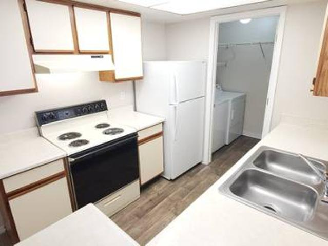Fully Furnished Short Term Rental Month To Month Parkwood Pointe Apts