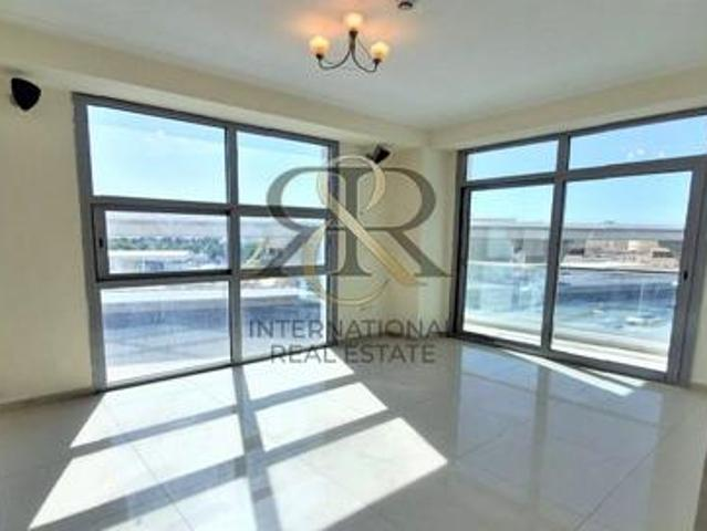 Fully Refurbished | Spacious 2 Beds With Balcony