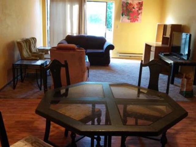 Furnished Bedroom With Own Bathroom Close To Um Cus And Downtown U Of M West Bank Riverside