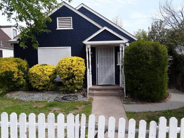 Furnished Charming One Bedroom With Beautiful Yard Red Bluff