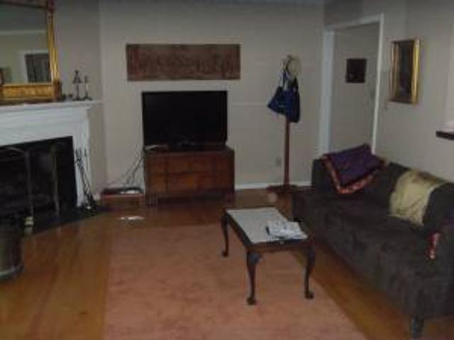 Furnished Short Term 2br 1 12 Ba Condo On East Franklin St Chapel Hill