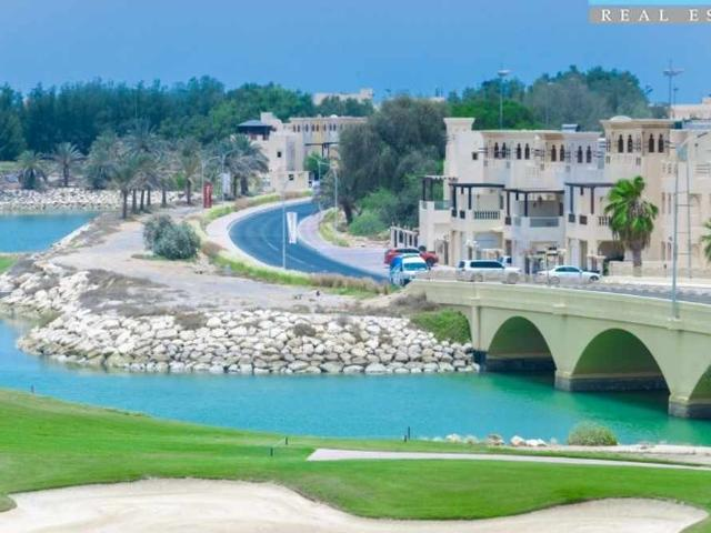 Furnished Studio Across From Mall View Of Golf Course