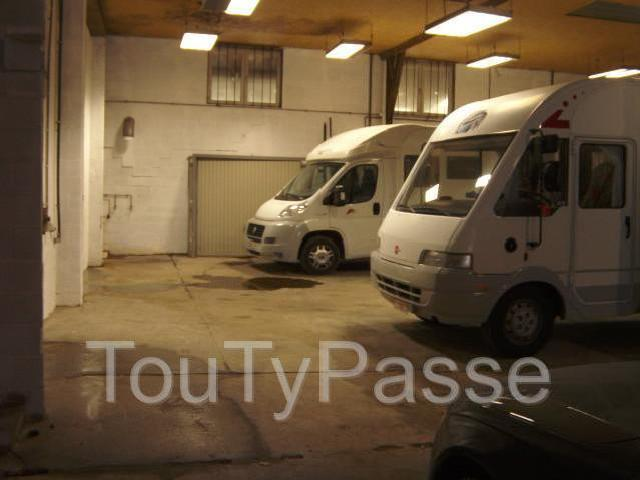 Emplacement caravane mitula immo for Location garage caravane