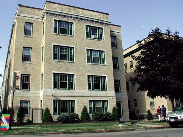 Garden Level, North Buffaloparkside Apt Incl Heat, Water, Cable Mj1 Parkside