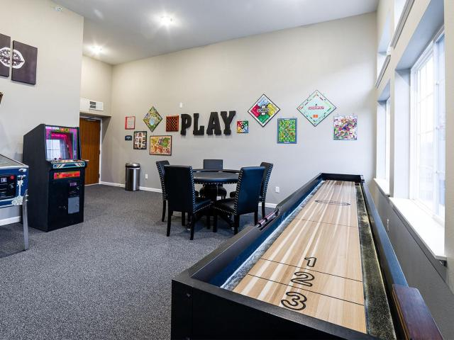 Gateway Green Apartments 1 Bedroom Apartment For Rent At 4626 Wyngate Blvd, Forest Lake, M...