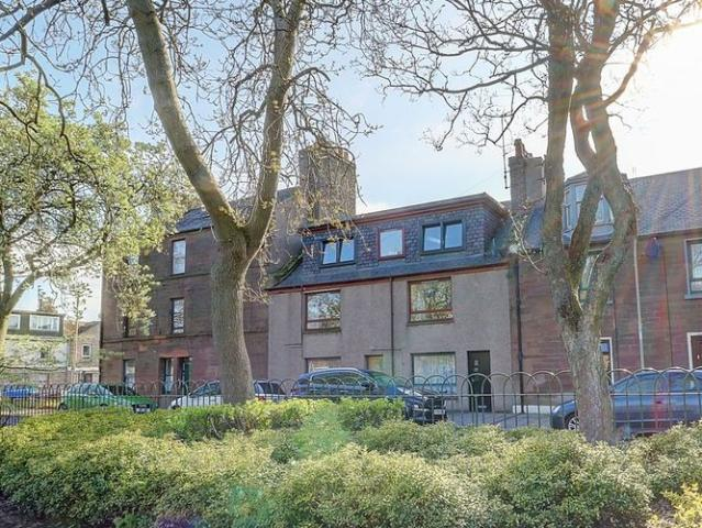 Gibson Place, Montrose Dd10
