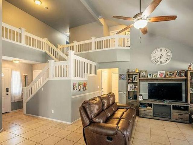 Gorgeous Clovis Unified 2 Story Home With Awesome Outdoor Bbq Fresno