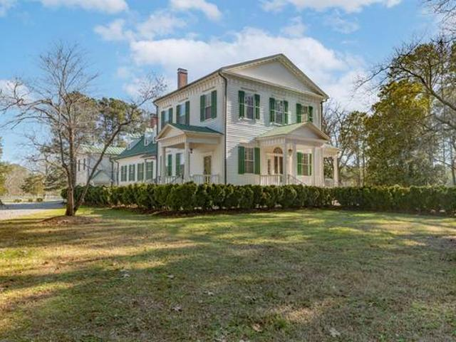 Gorgeous Fully Restored Home On 308 Acres Macon