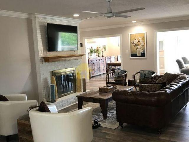 Gorgeous Lake Views House W/ 3 Bedrooms In Sunset Bay, Hot Sprin
