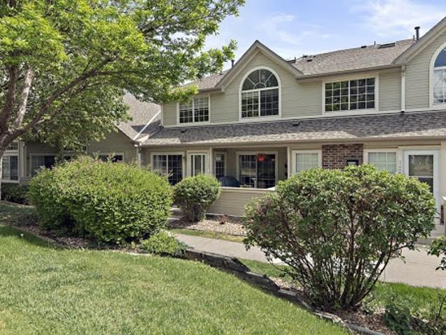 Gorgeous Townhome In Thornton