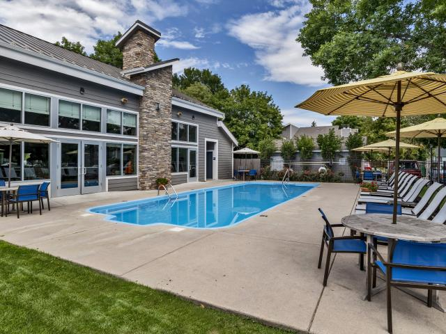 Governor's Park 2 Bedroom Apartment For Rent At 700 E Drake Rd, Fort Collins, Co 80525 Cot...