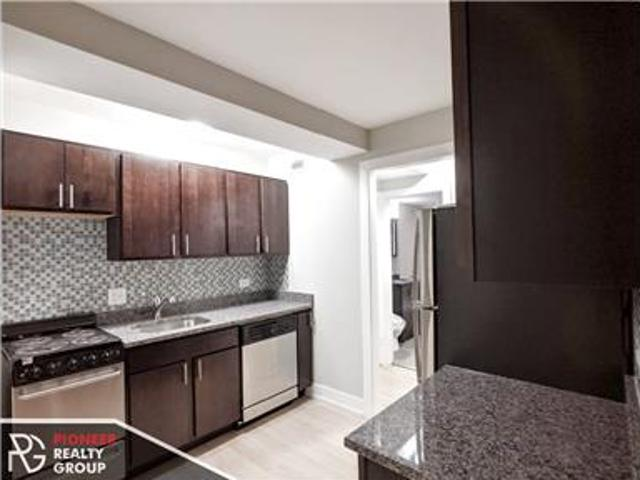 Great 1 Bed In Lakeview East Blocks From The Lake