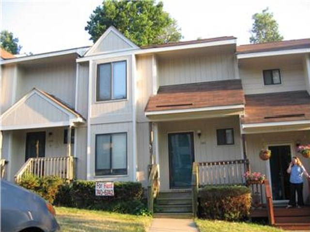 Great 2 Bedroom Townhouse In West End