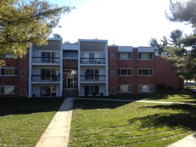 Great For Lancaster Commuters Huge 2 Bed, 2 Bath In East York East York Near Hallam