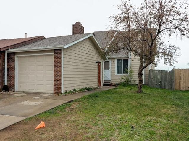 Great Four Br Duplex With Income Potential!