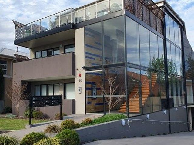 Great Location In The Heart Of Essendon