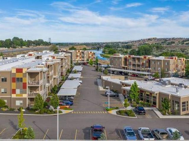 Ground Floor 2 Bedroom Corner With River View 2513 Duportail Street Richland, Wa