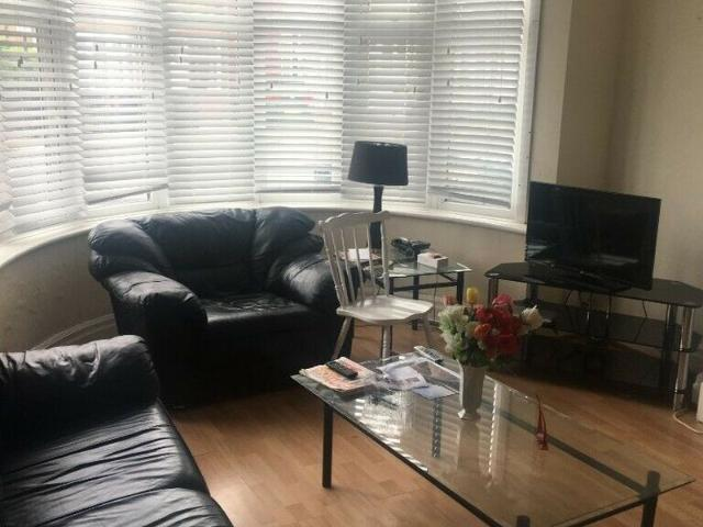 Ha1 4tl Large Semi Detached House With 4 Bedrooms, 3 Floors A Large Garden And Off Street ...