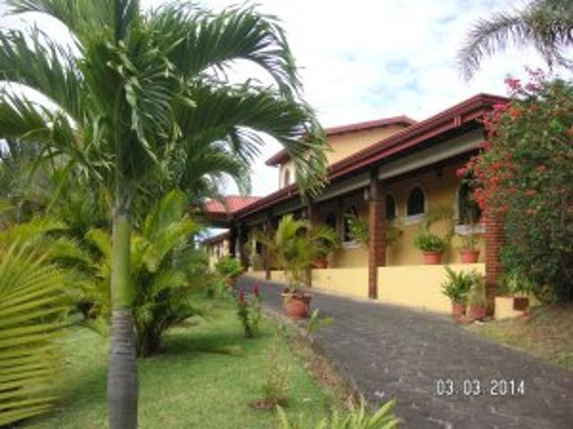 Hermosa Casa De 8 Dormitorios, 8 Ba/nos, Piscina, Jacuzzi En Costa Rica
